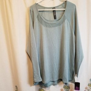 Nwt moos green workout mesh tee